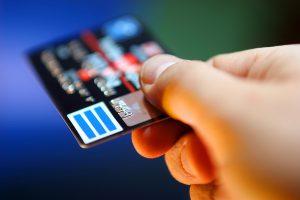 Bequeme Überweisung per Kreditkarte nutzen